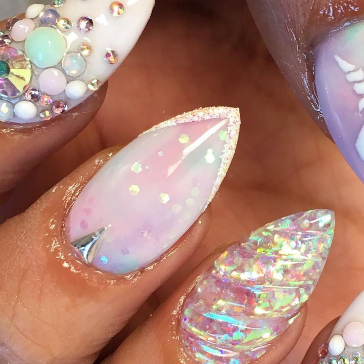Unicorn nails  shoutout to @vanessa_nailz for helping me and sending me a clip of how to do the unicornhorn nail