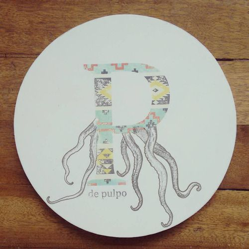 """ P de pulpo "" porta calientes pieza única #Himallineishon #art #octupus #handmade #handpainted"