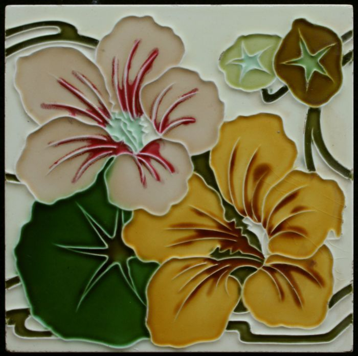 Online veilinghuis Catawiki: Gilliot & Cie Hemiksem - Art Nouveau tegel met Afrikaantjes