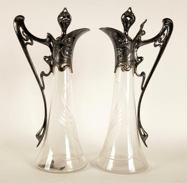 Par de jarras prata e cristal. Art Nouveau.