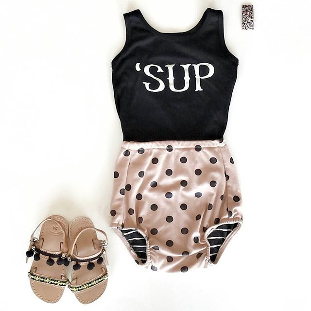 baby outfit / love those shoes with pom poms