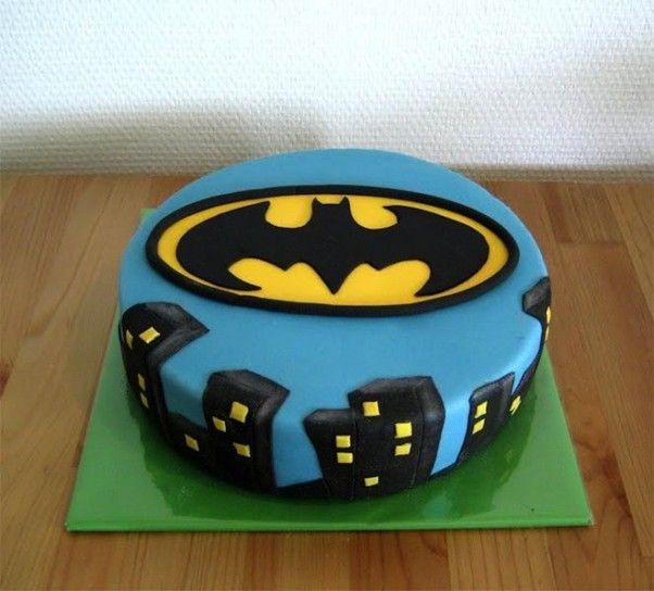 Torte con pasta di zucchero - Batman cake