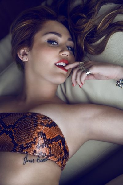 Miley Cyrus - im not her biggest fan, but she looks hot here!