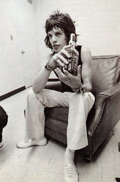 Mick Jagger backstage at the L.A. Forum (1972)