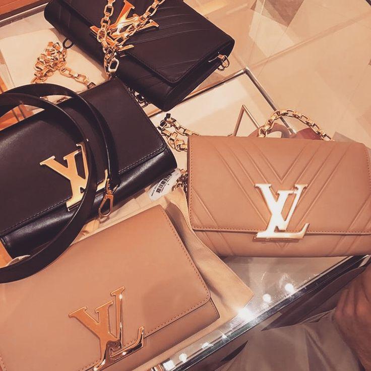 Pinterest: Jssica Chavz 💋 Women's Handbags & Wallets - http://amzn.to/2iZOQZT