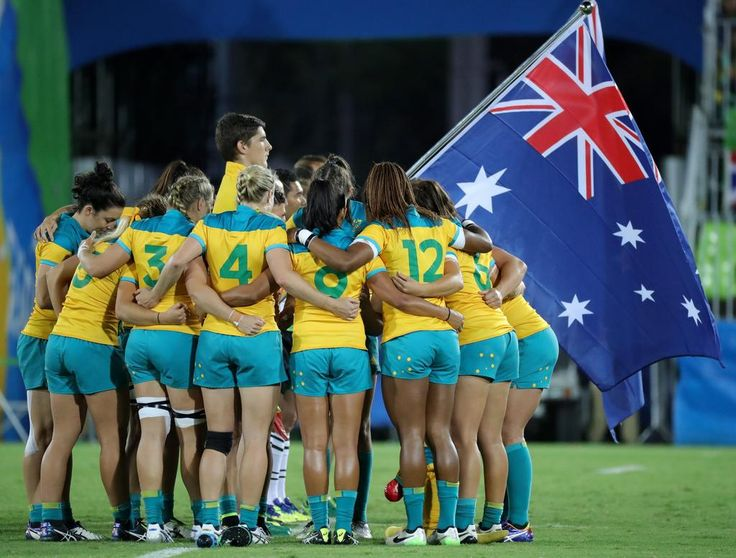 2016 _ Players of Australia huddle before the women's Rugby Sevens gold medal match between Australia and New Zealand at the Rio 2016 Olympic Games at the Deodoro Stadium in Rio de Janeiro, Brazil, 08 August 2016.