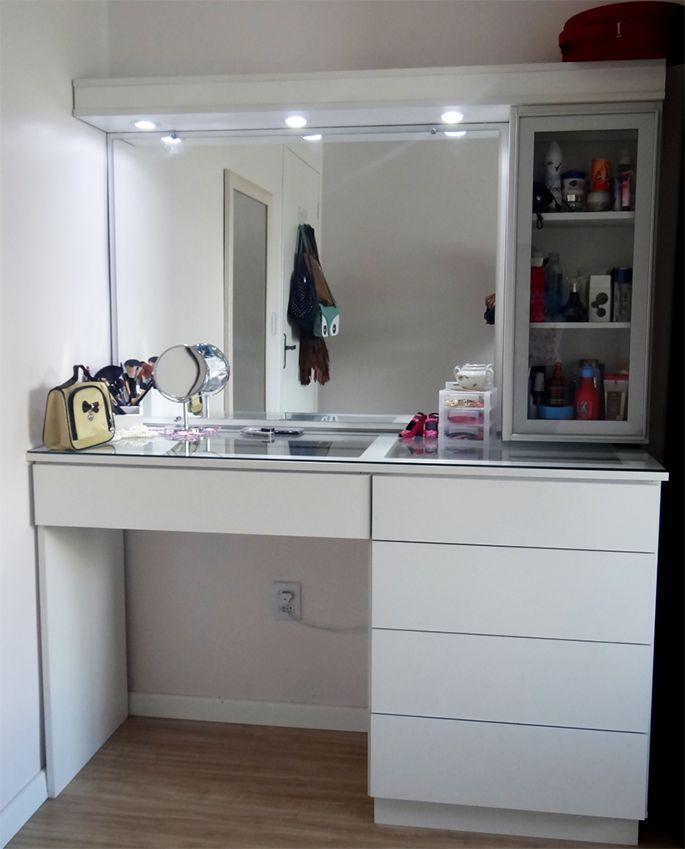 die besten 25 schminktisch beleuchtung ideen auf pinterest make up schminktisch schminktisch. Black Bedroom Furniture Sets. Home Design Ideas
