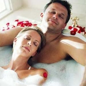 take bath with lover