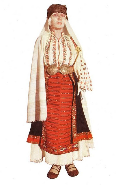 Traditional Romanian Folk Costume from Southern Romania, Vlasca,Dolj, Oltenia.