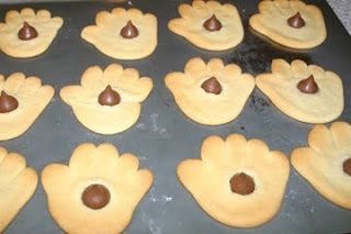 Mama Bear's Book Nook: The Kissing Hand Cookies