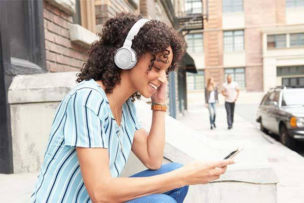 JBL Tune 600BTNC Bluetooth Active Noise Cancelling