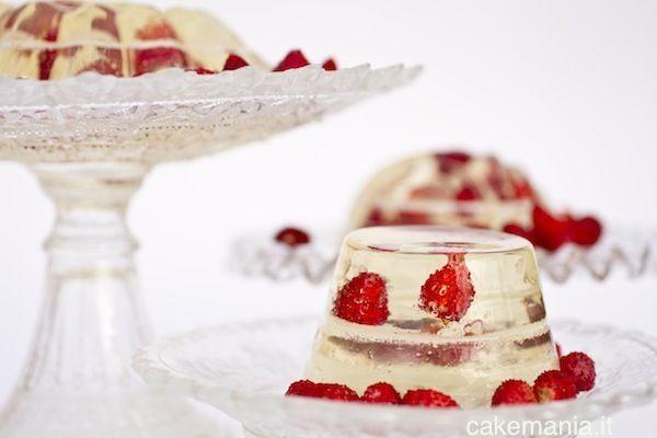 Gelatina di moscato con fragoline di bosco. © Federico Casella per Cakemania®