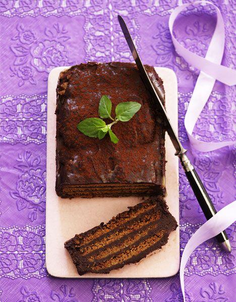 Luksus kiksekage Bagværk Der er noget ganske særligt over god chokolade, der med rette kan sætte enhver kur på standby og retfærdiggøre, at man spiser sig et sukkerchok til. Prøv bare denne herlige kiksekage.