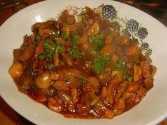 Pittig wokgerecht met varkensvleesreepjes en groenten. Heerlijk met rijst.