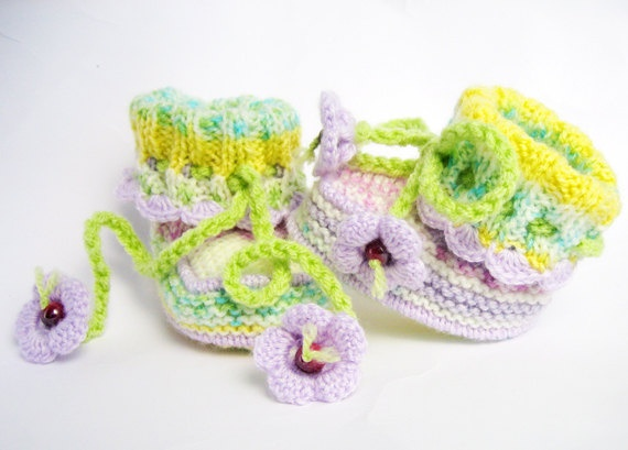 Hand knitted baby booties of melange baby by Svetlanababyknitting, $19.00