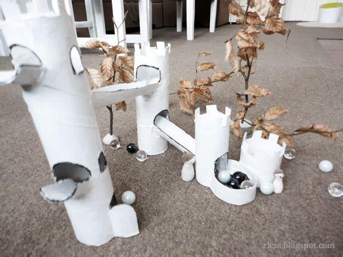 Hradní sešup / Castle marble run: Towers Inspiration, Hradní Sešup, Castles Marbles, Kitty Towers, Kids Crafts, Crafts Fun, Marblerun Castles, Paper Crafts