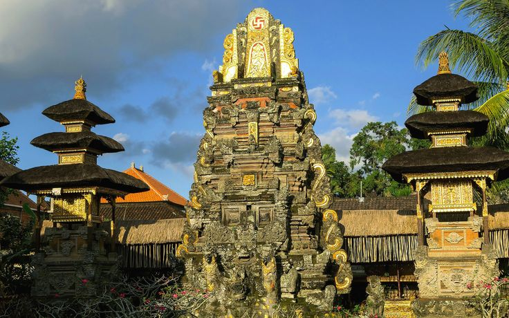 Indonesia. A voyage to Indonesia, Asia - Jakarta, Surabaya, Bandung, Depok, Medan... ( Bali, Java, Kalimantan, Sumatra, Papua... )  https://traveladventureeverywhere.blogspot.com/2012/03/voyage-to-indinesia-asia-jakarta.html