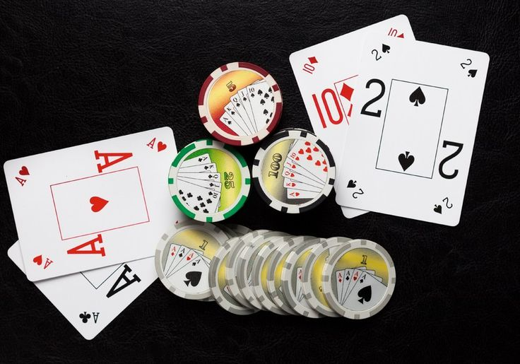 How to play poker and hide your tells