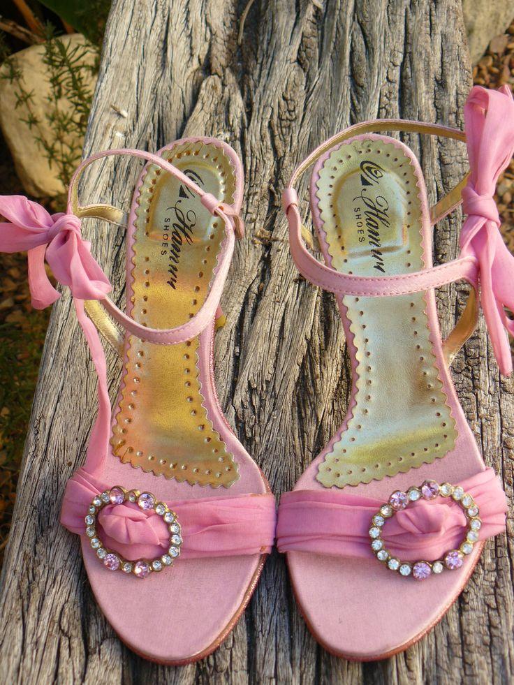 Pink shoes - fleamarket find!