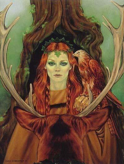 Bridgid - A Deusa Caçadora e Sacerdotisa é uma deusa celta muito popular na Irlanda. Brígida era representada por três mulheres, Brígida, a poetisa, Brígida, a médica, e Brígida, a ferreira, sendo conhecida com a deusa da Tríplice Chama, pois o fogo alimenta as forjas, esquenta os experimentos dos alquimistas, e incendeia a mente dos poetas. Brígida era filha do deus supremo Dagda, e um dos Tuatha Dé Danann. Ela era esposa de Bres, rei dos Tuatha Dé Danann, com quem teve um filho, Ruadán.