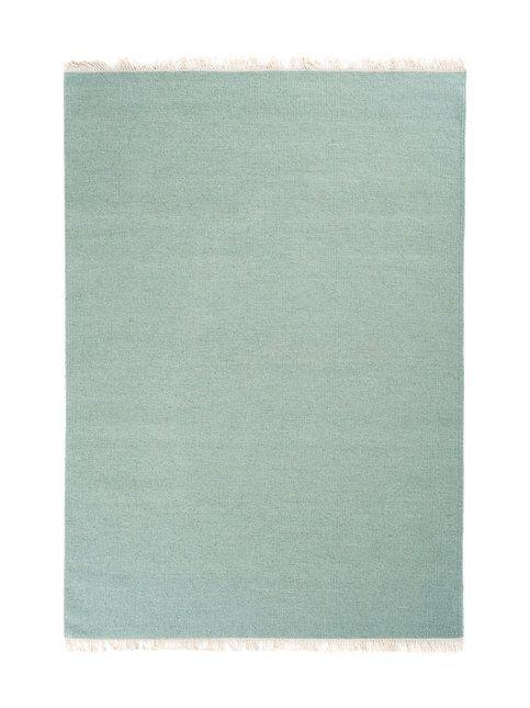 Pelkistetty, mutta värikylläinen matto sopii mainiosti skandinaaviseen sisustukseen.   <br/><br/>  Käsinkudottu matto on 100 % villaa. Suositellaan kemiallista tasopesua pesulassa.