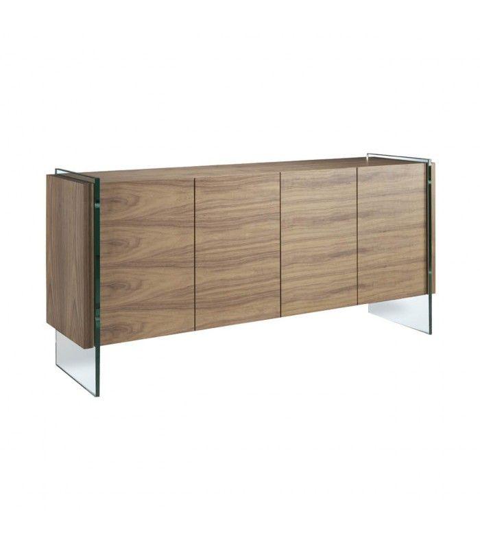 Aparador de madera chapada en nogal de color marrón con los laterales en cristal templado.