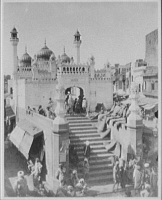 Sonali Musjid, Lahore by William Henry Jackson, 1895 Published as halftone in Harper's Weekly, 1895, p. 894. Photographic print made by LC from Jackson's vintage film negative