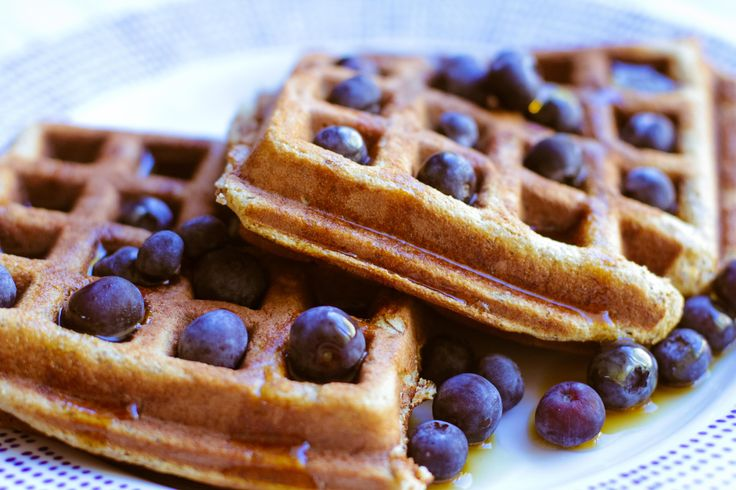 Gather 'round the breakfast table! With bananas at the ready, these #Paleo Banana Waffles are all yours. #glutenfree