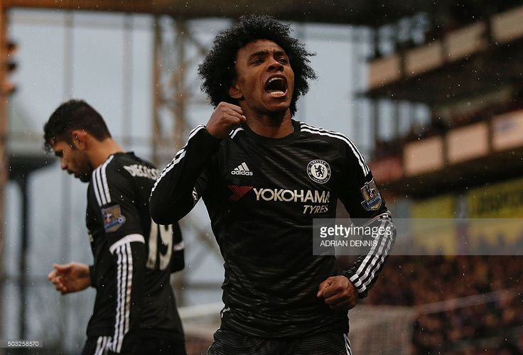 Chelsea's Brazilian midfielder Willian celebrates scoring his team's second goal during the English Premier League football match between Crystal Palace and Chelsea at Selhurst Park in south London on January 3, 2016. AFP PHOTO / ADRIAN DENNIS DENNIS