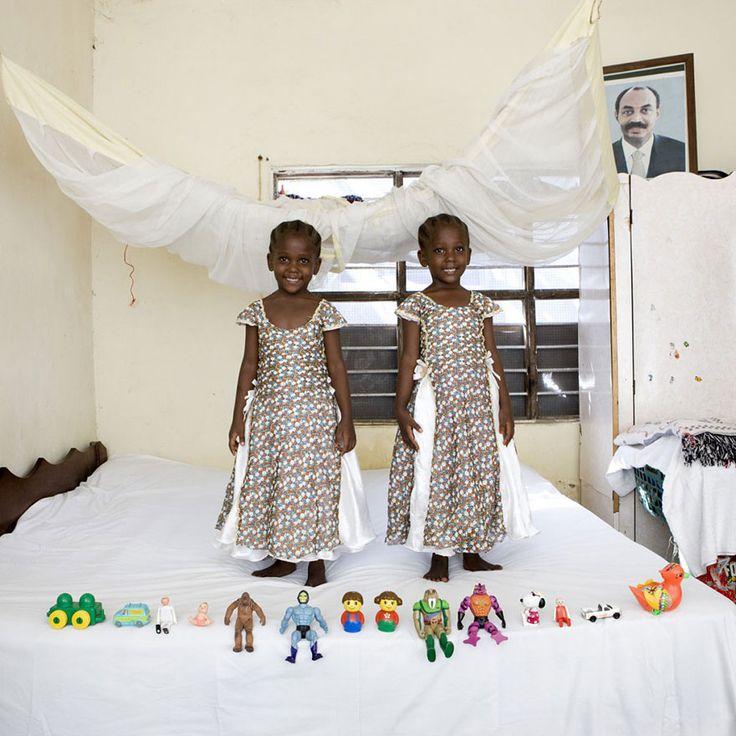 Arafa & Aisha – Bububu, Zanzibar - look at those dresses! Neat!