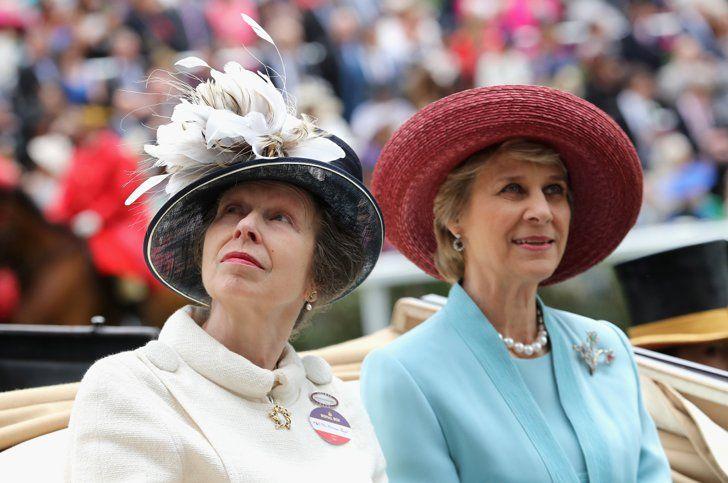 Pin for Later: Die britischen Royals zeigen sich von ihrer besten Seite in Ascot  Prinzessin Anne und Birgitte, Herzogin von Gloucester                                                                                                                                                                                 Mehr