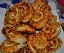 Rezept Käse-Tomaten-Schnecken von Missy Freckles - Rezept der Kategorie Backen herzhaft
