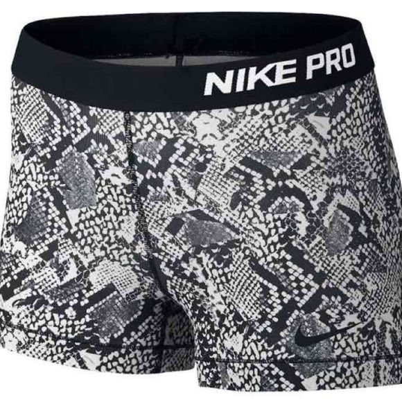 "3"" Women's Nike Pro Compression Shorts Nwt, never worn. Bundle to save $! Rare and hard to find Nike Pro's! Women's 3"" Nike Pro Compression Shorts  PRICE IS FIRM since Posh takes 20% $30 on мercari Nike Shorts"
