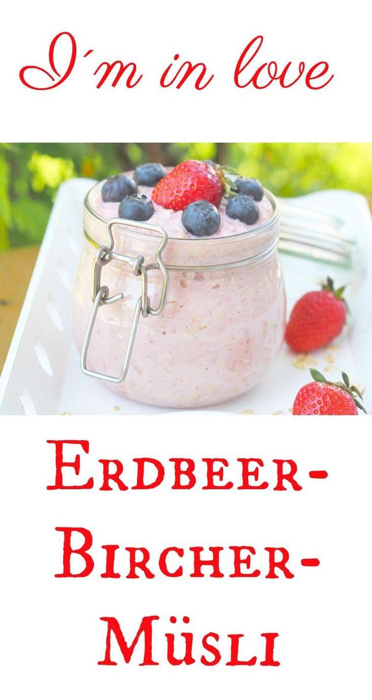 Bircher Müsli ist keinesfalls old school, sondern sooo lecker. Ein fantastisches und sättigendes Frühstück, welches man für einige Tage im Vorraus herstellen kann. Mit dem Thermomix oder Mixer ein Kinderspiel.  Und mit Erdbeeren ganz besonders lecker.