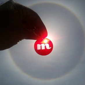 """A beautiful """"circular halo"""" has appeared in the sky of #Milan, just above the #CircleMe office!! #circularhalo #sun #opticalphenomenon #rainbow"""