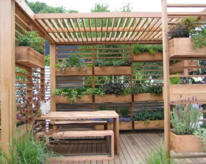 how to make a vertical garden with gutters