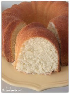 Jam Hands: Sour Cream Pound Cake (Paula Deen recipe)-I made it this week and it was very good!
