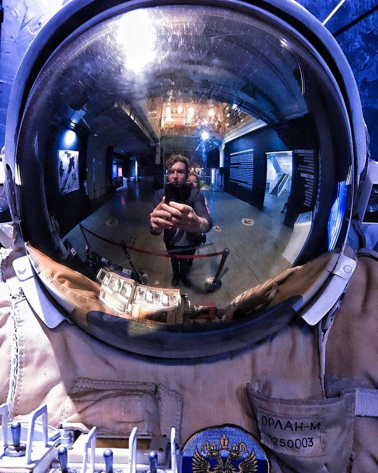 День космонавтики это возвращение в детство) каждый кто хотел стать космонавтом к нему причастен)) В этот день поздравляю @dianalarionova благодаря которой ракеты летают  и не падают)) Диана ты наш космос)) . #space #spacemoscow #денькосмонавтики #astrophotography #vscocam #vscomoscow #vscorussia #moscowphoto #russia #russiaphoto #moscow #mskfoto #topeuropephoto #bestphoto #bestfriends #travel #travelpics #travelingram #инстаграмнедели