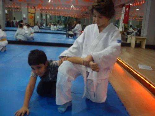 Aikido ile kendinizi savunmayı öğrenenin.akran baskısına karşı çocuklara kendini korumayı öğretiyoruz   @ilanGazetesi   ucretsizseriilanlar.com