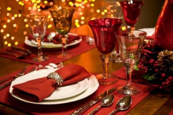 Itt az én karácsonyi menüsorom. Nagyon remélem, hogy találtok benne pár jó ötletet és receptet, ha a cél az ünnepek alatt is az, hogy egészséges, de finom ételeket tegyünk az asztalra, amelyektől nem mellesleg januárban sem kell az évet egy léböjt-kúrával kezdeni a felszedett…