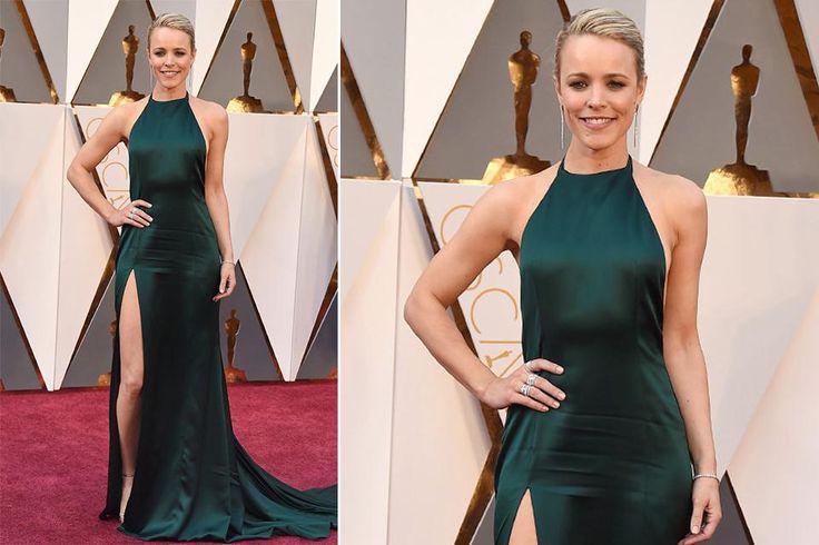 Mirá los vestidos que lucieron las actrices en los Premios Oscar  Rachel McAdams nos llevó a los noventa con un vestido verde esmeralda de August Getty Atelier con un tajo importante que le daba el toque sensual. Foto: Invision/AP
