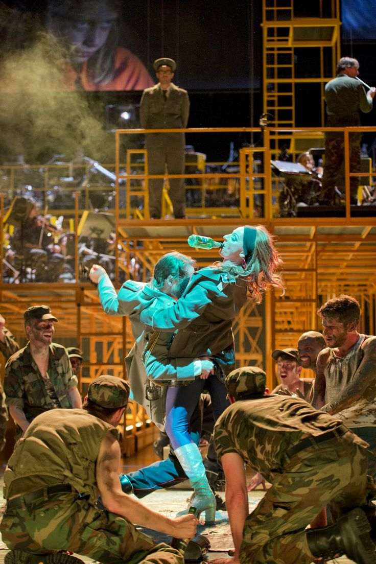 Die Soldaten | Oper Zürich (Foto: Monika Rittershaus)