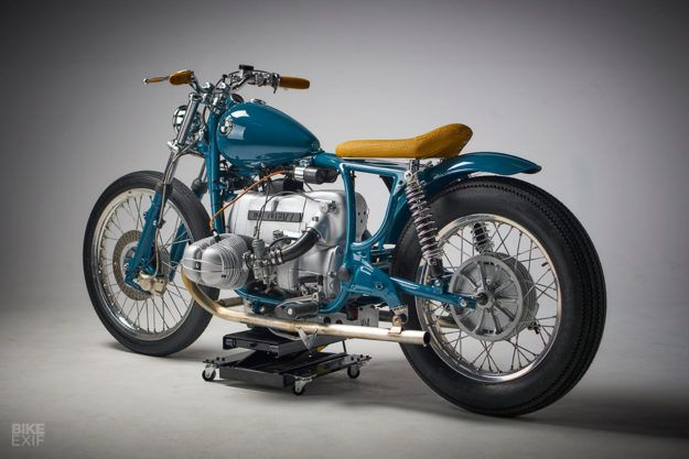 Out Of The Blue This Bmw R60 7 Bucks The Trend Motorcycle Bmw