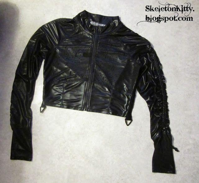 LIP SERVICE Circuit City short jacket #56-4-02