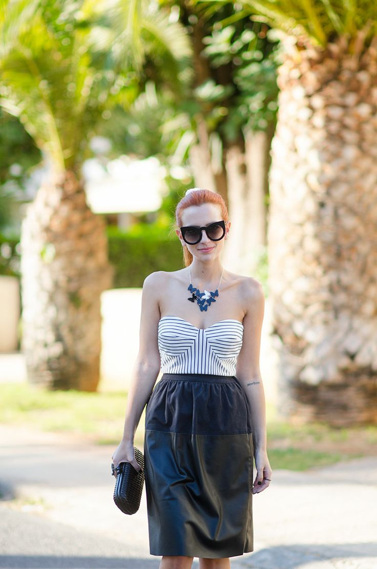 Not Your Average Style Fix: I see butterflies Fashion blogger Athina Valyraki wearing KiviMeri Satu +1 Butterfly necklace in Black and White