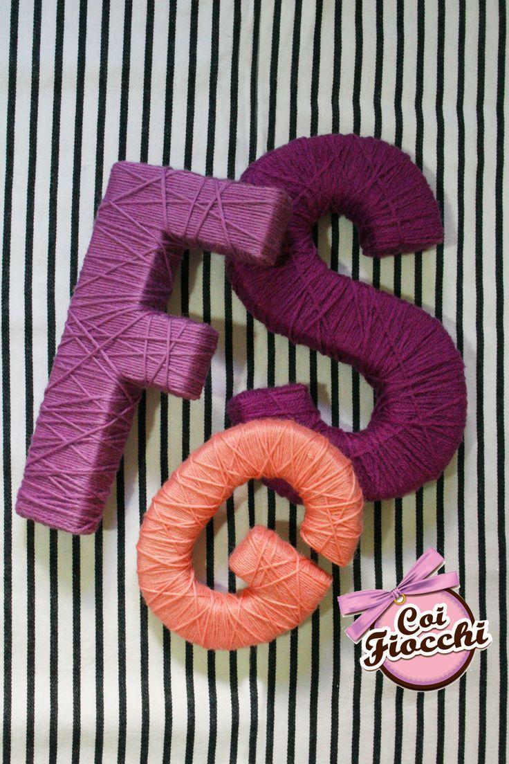 Lettere in lana realizzate a mano