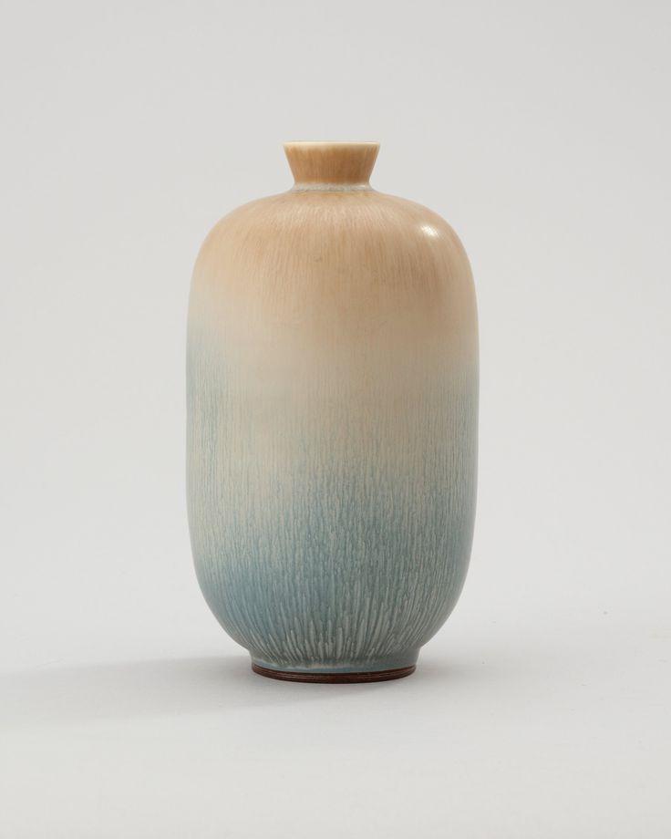 A Berndt Friberg stoneware vase, Gustavsberg Studio 1969.