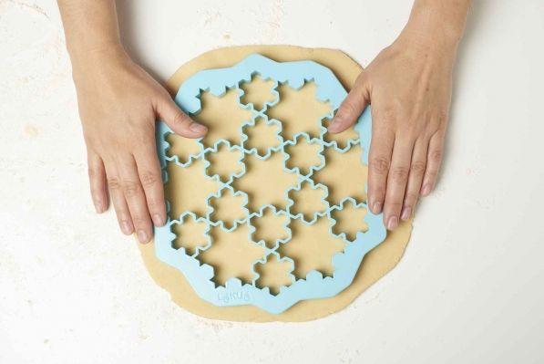 Forma do wykrawania ciastek plastikowa LEKUE PUZZLE SNOW