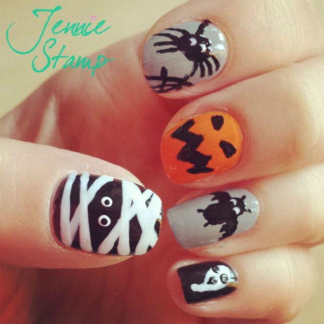 Spooky-Halloween-nail-art