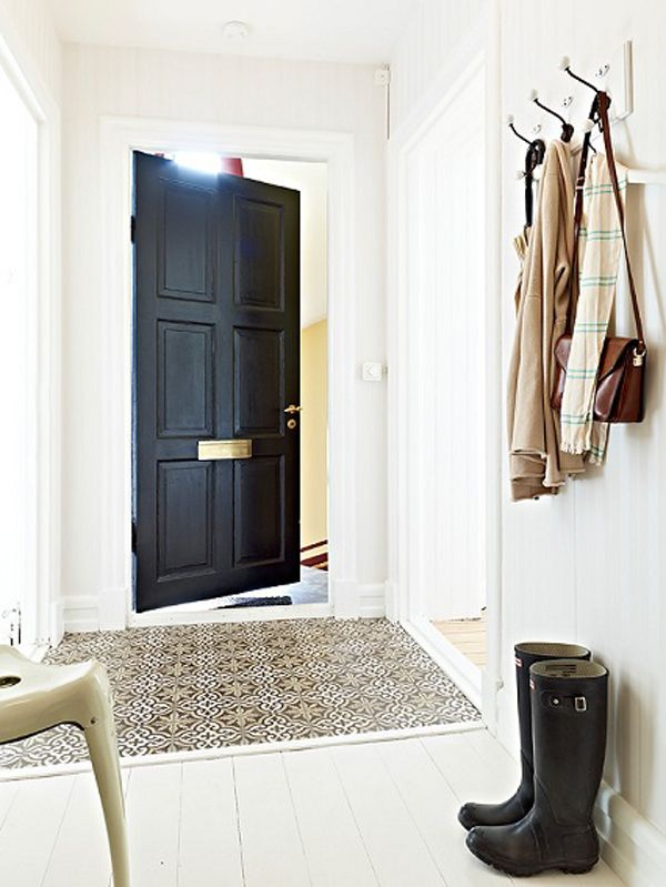 5 Beautiful Black Doors - Sugar and Charm - sweet recipes - entertaining tips - lifestyle inspiration
